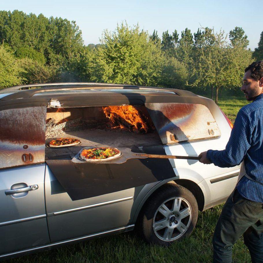 Esse Ford Mondeo virou forno de pizza