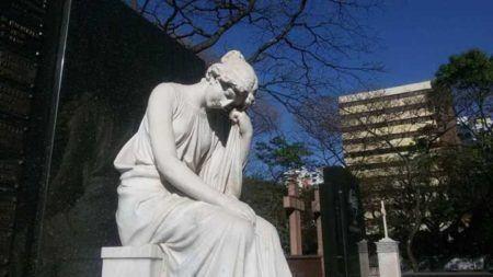 túmulo no cemitério da consolação