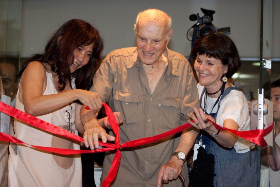 Inauguração do Centro de Memória do Circo. 2009. Veronica Tamaoki, Roger Avanzi (Palhaço Picolino) e Regina Ponte