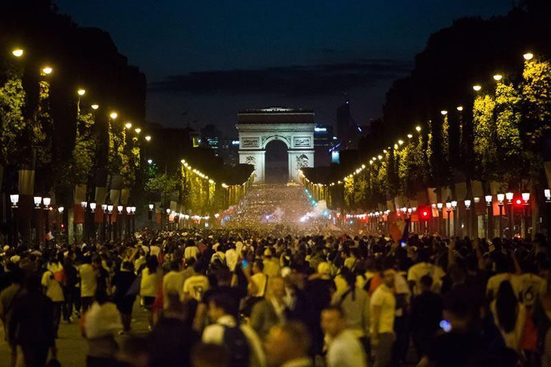 Torcedores em Paris