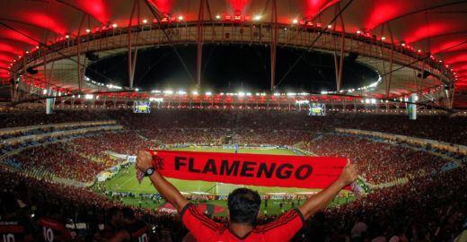 Exposição 'Flamengo é Puro Amor'  ocupa a Central do Brasil