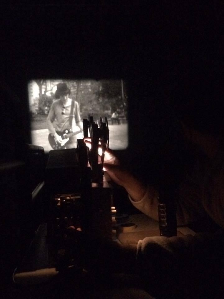 Projeção de filme em Super 8