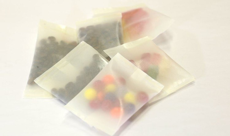 Embalagens feitas com celulose são alternativa renovável e biodegradável ao filme de plástico