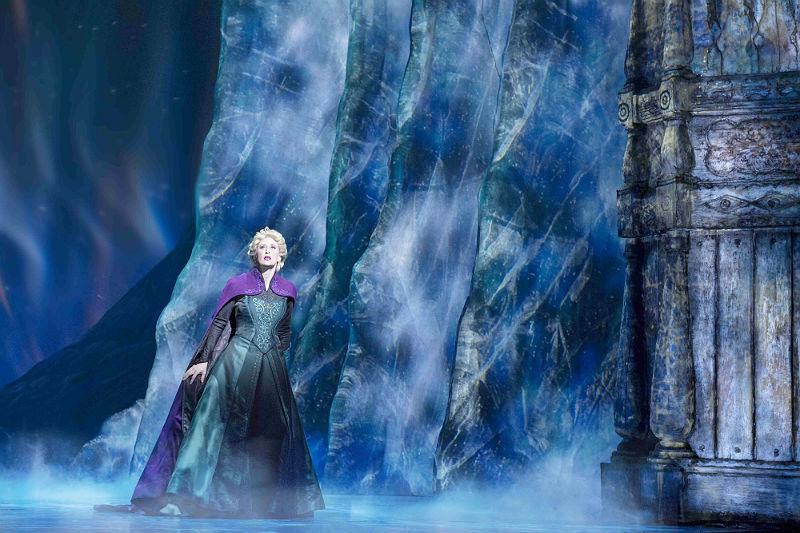 """Cena de """"Frozen, o Musical"""", que estreou no final de março na Broadway e já é um sucesso de bilheteria"""