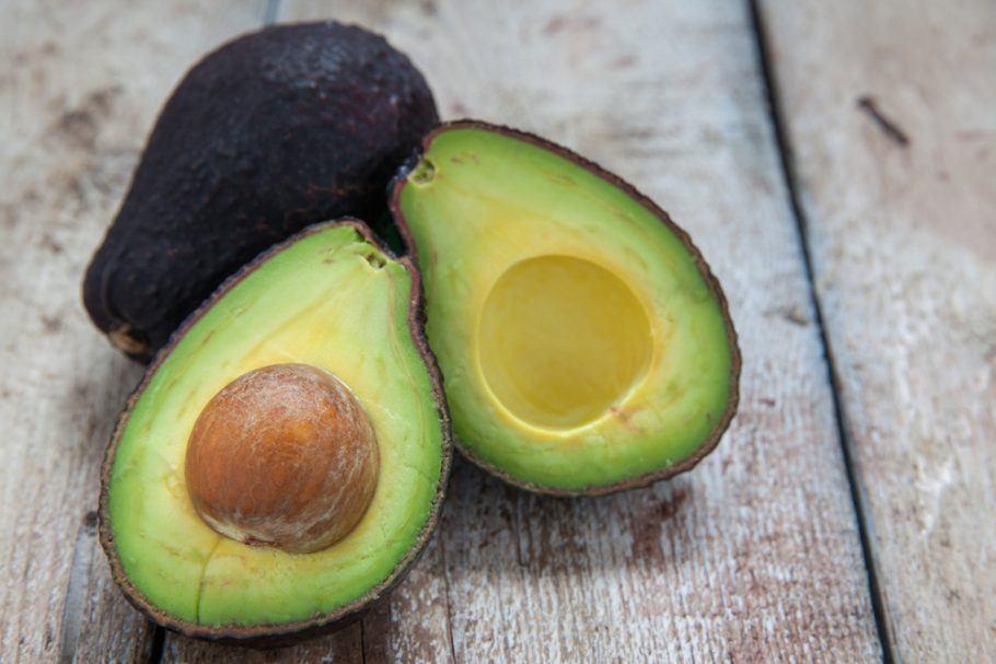 Em vez de dois ou três dias, o abacate permanece maduro por de quatro a seis dias