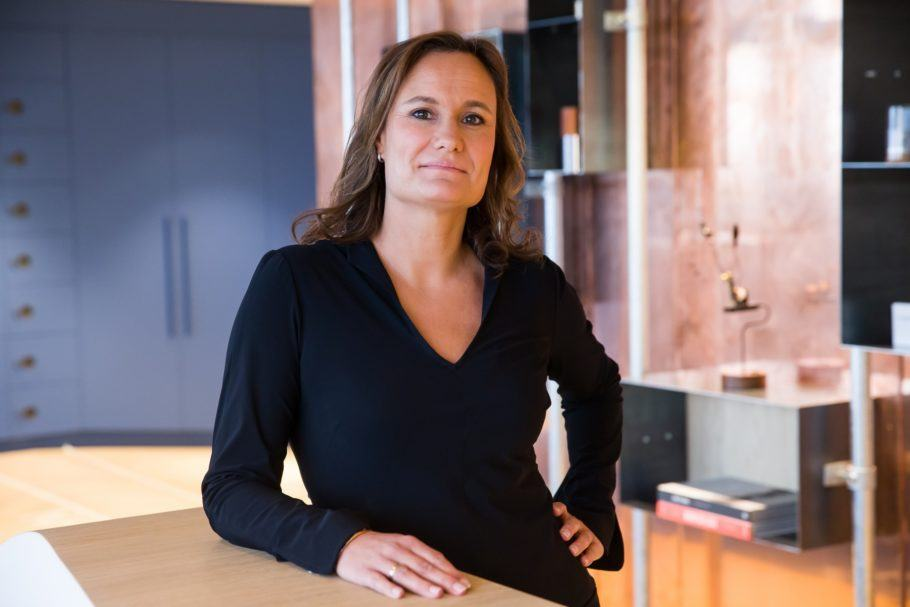 Gillian Tans, 46 anos, CEO da Booking.com