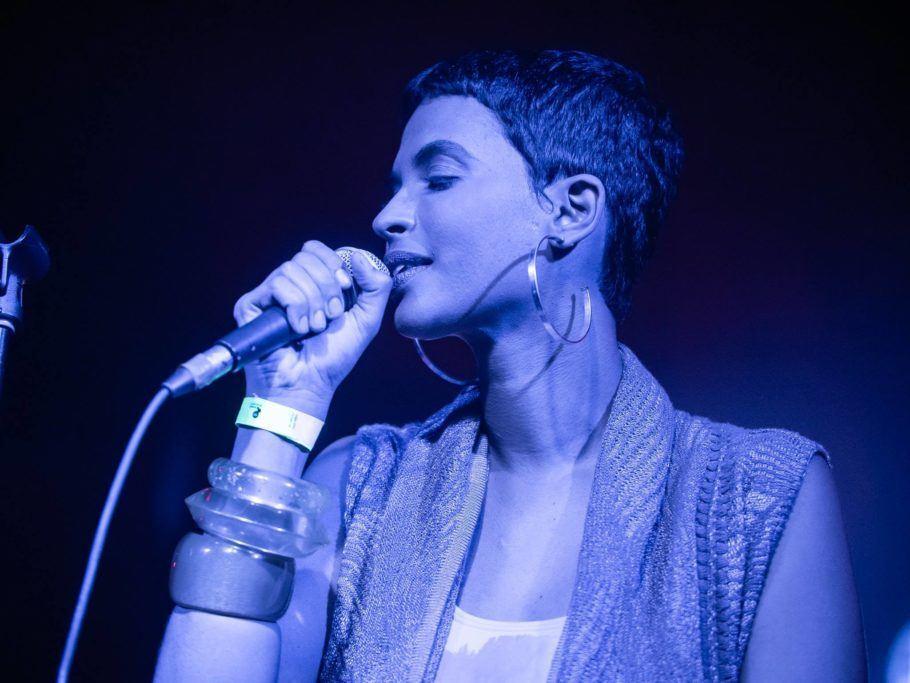 Cantora Heloá