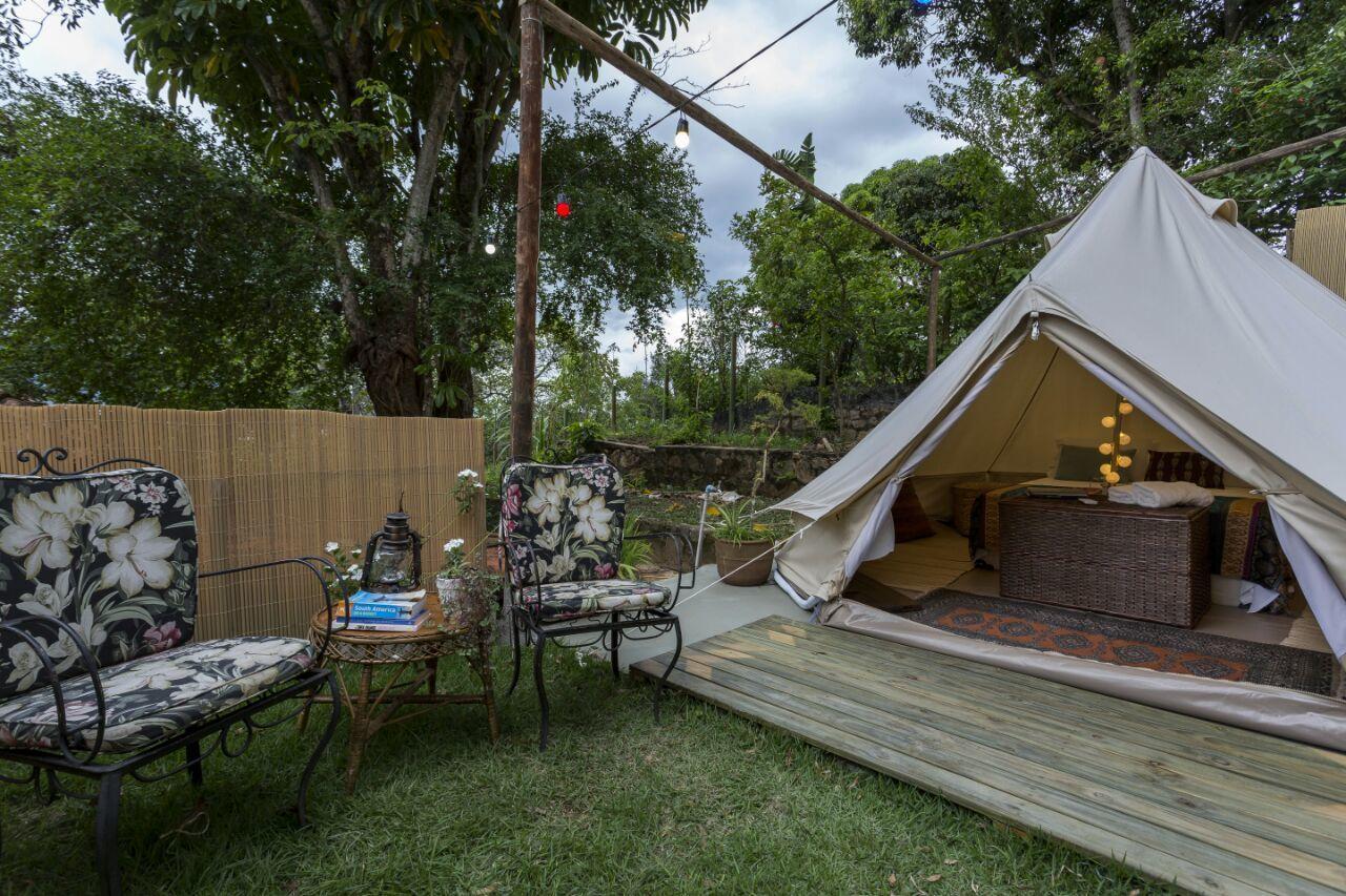 O Hostel da Vila, em Ilhabela, oferece cabanas de luxo disponíveis