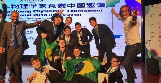 Brasileiros brilham e conquistam a prata em Copa de Física