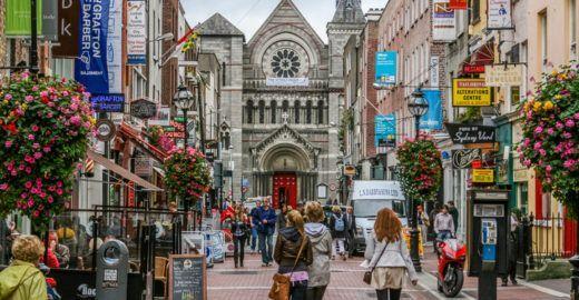 Escola de idiomas na Irlanda oferece mais de 30 cursos gratuitos