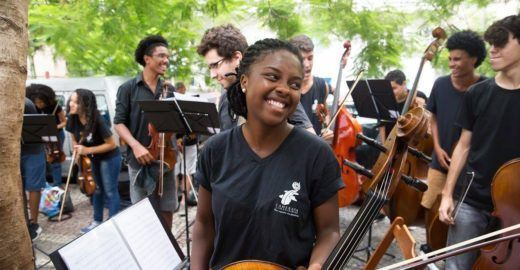 Do Rio para Berklee: a história da violoncelista Kely Pinheiro