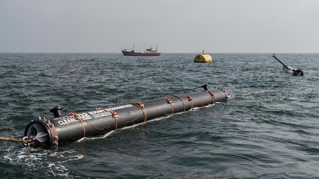 Protótipo é testado pela entidade, que afirma que é possível recolher até metade do lixo da ilha de plástico em cinco anos