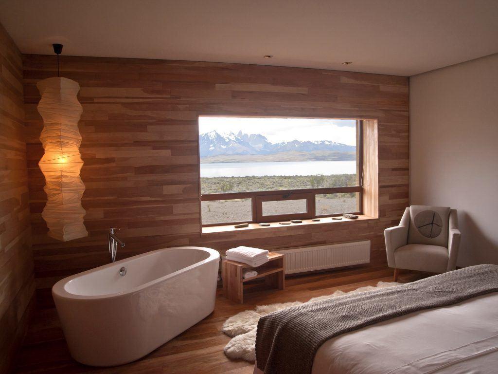 Interior de um dos quartos do Tierra Patagonia Hotel & Spa, no Parque Nacional Torres del Paine