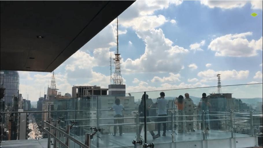 No mirante do Sesc Av. Paulista é possível ter uma vista panorâmica da avenida mais famosa da cidade