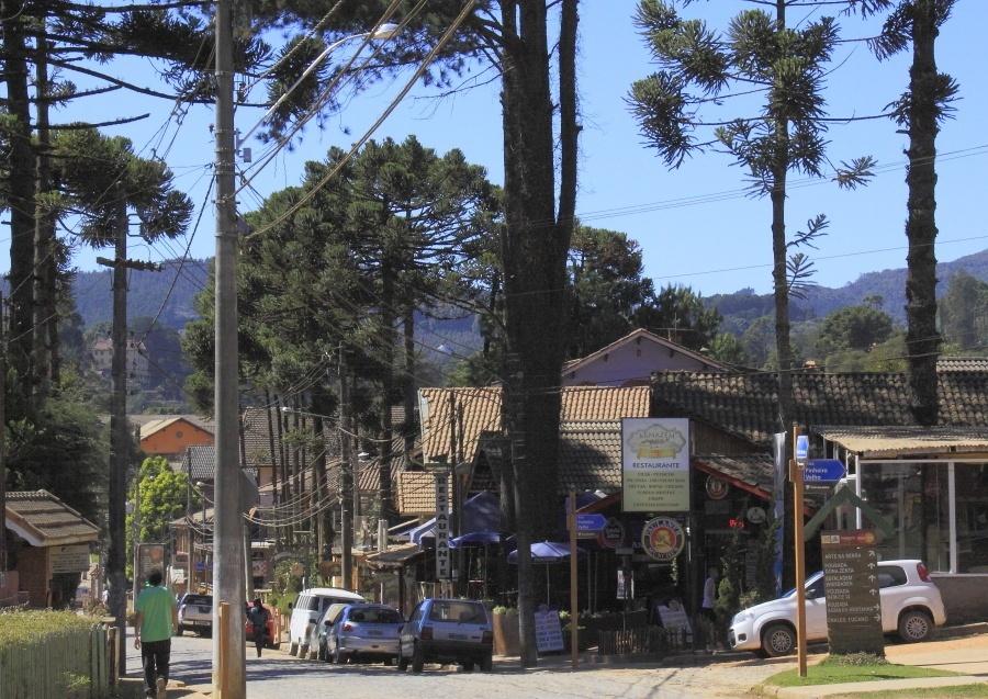 Monte Verde atrai turistas pelo clima de montanha e por sua gastronomia