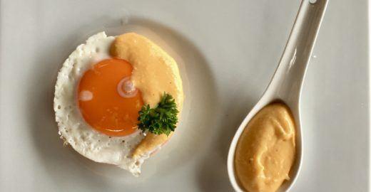 Como fazer ovos benedict perfeitos com receita de chef
