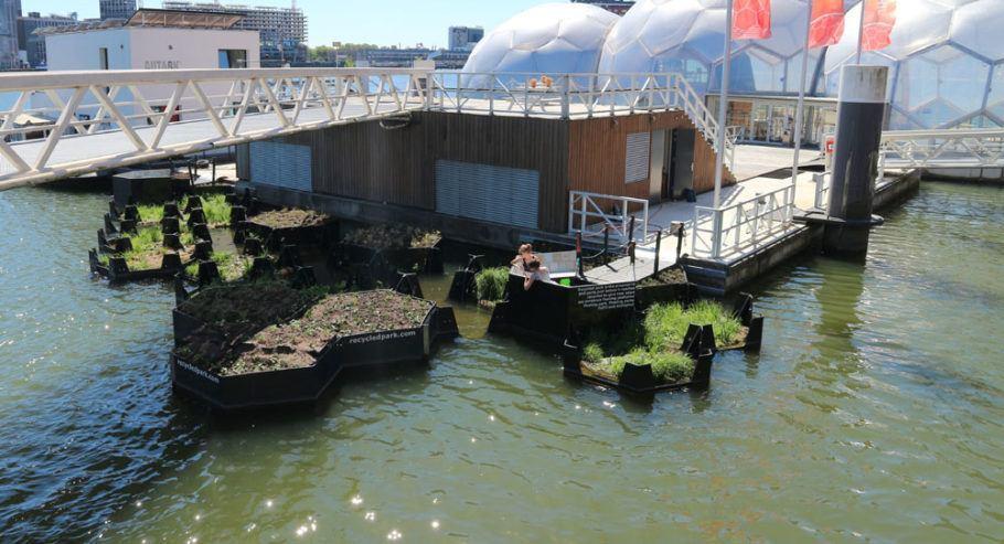 O parque flutuante busca despertar a consciência ecológica dos cidadãos