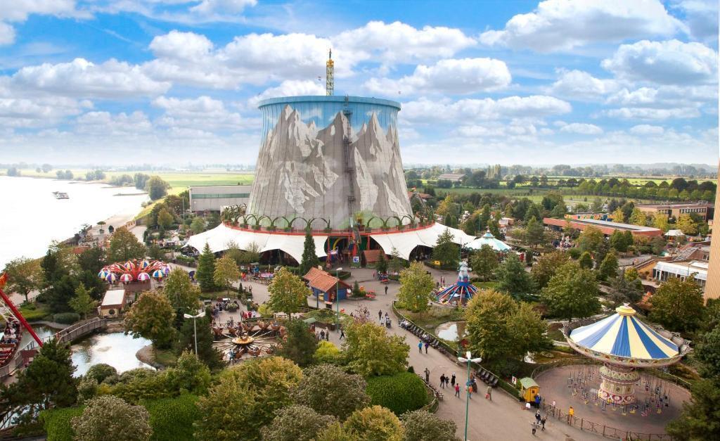 Vista panorâmica do parque Wunderland Kalkar, que fica em uma antiga usina nuclear em Dusseldorf