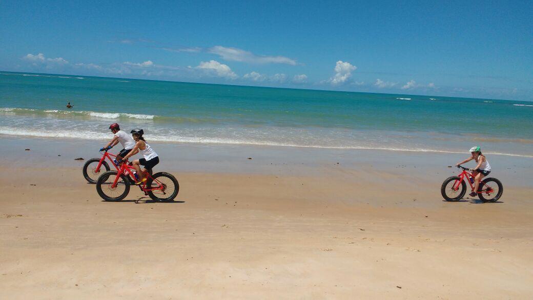O passeio de bike por Trancoso é recomendado para crianças a partir de 13 anos