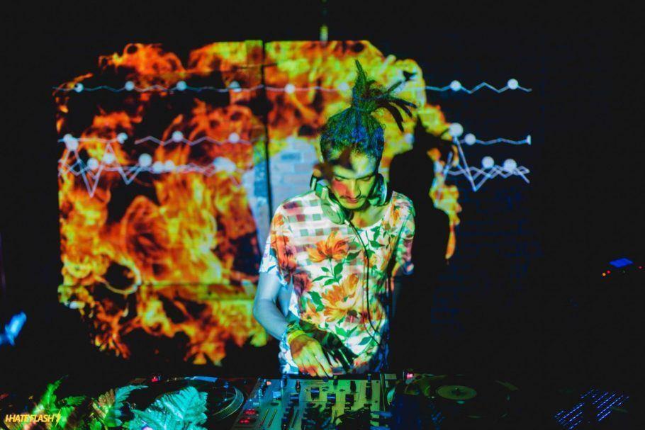 DJ Killa toca na pista Jardim