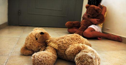 Holandês de 75 anos é preso por estuprar de criança de dois