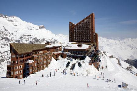 Vista do complexo do resort chileno Valle Nevado