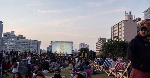 Jardim suspenso do CCSP tem cinema, shows e gastronomia ao ar livre