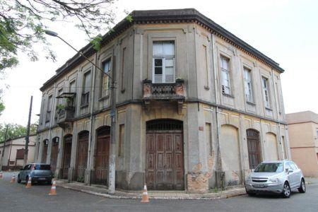 Fachada de casa na Vila Maria Zélia