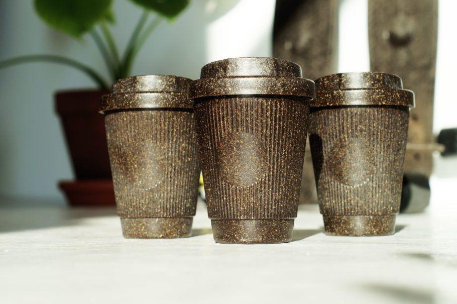 Caso seja necessário descartá-los, as xícaras e os copos podem ser reciclados