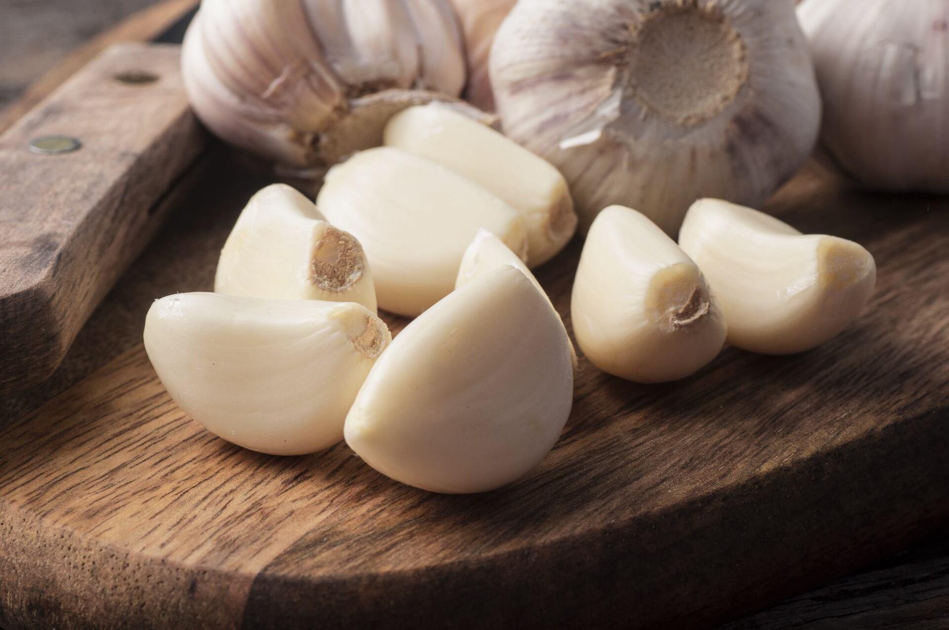 Dentes e cabeças de alho