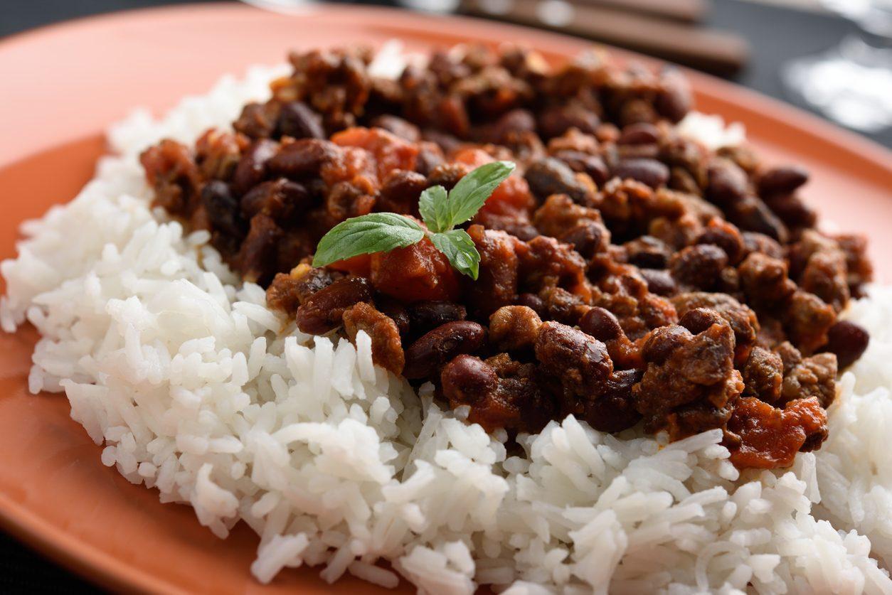 prato de arroz e feijão