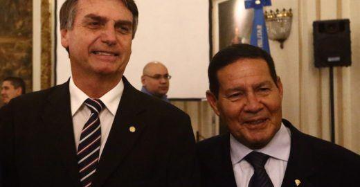 Vice de Bolsonaro diz que país herdou a 'malandragem' do negro