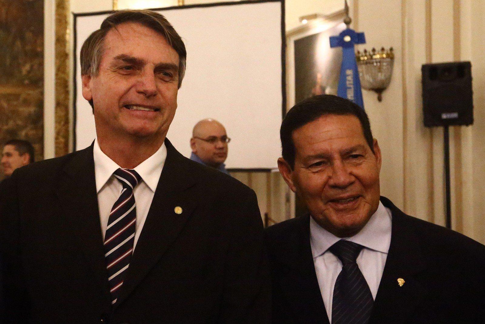 Jair Bolsonaro e seu candidato a vice, genral Hamilton Mourão