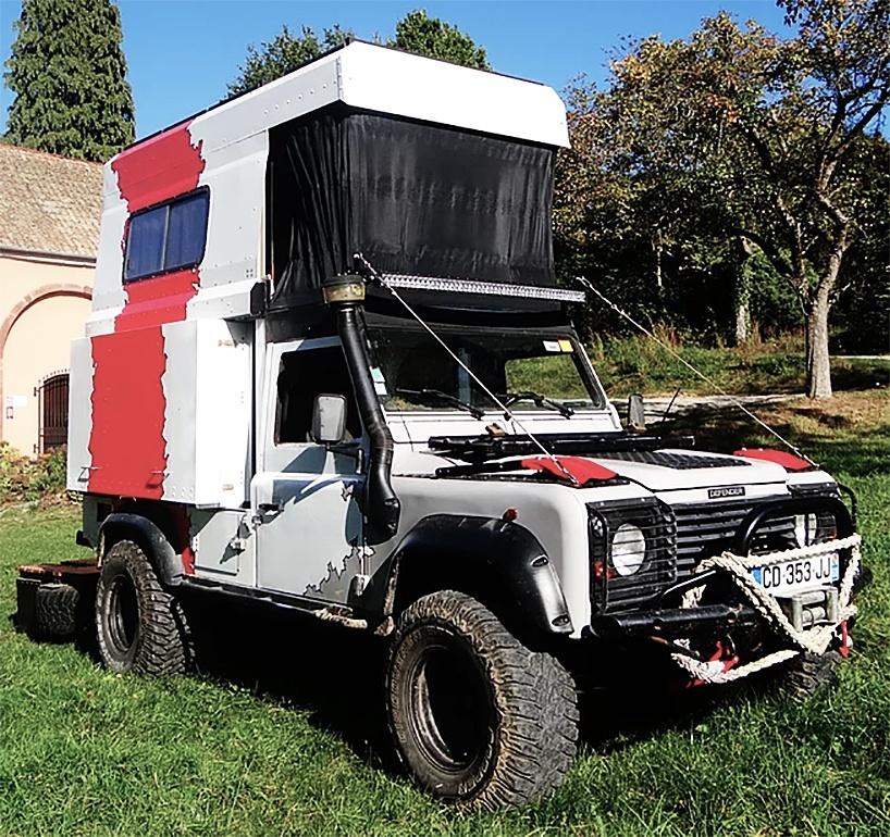 A casa sobre rodas é uma Land Rover que se transforma em 43 segundos