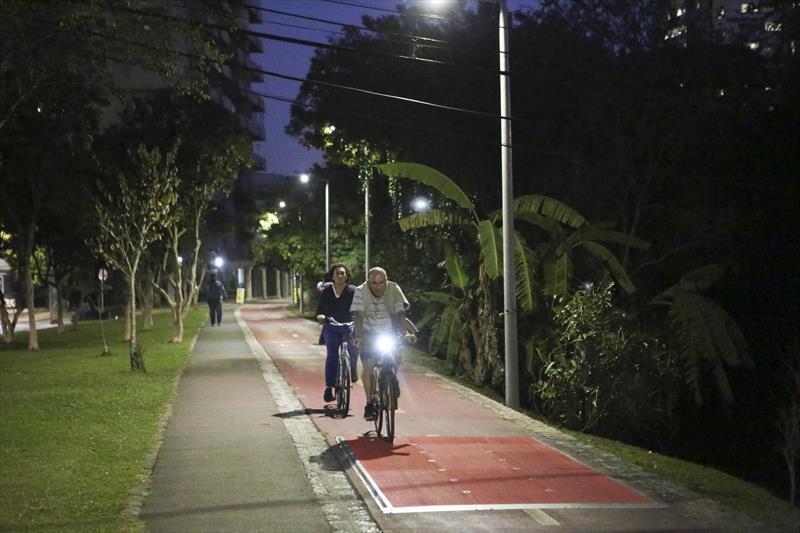 A ciclovia que gera energia já está em teste em Curitiba