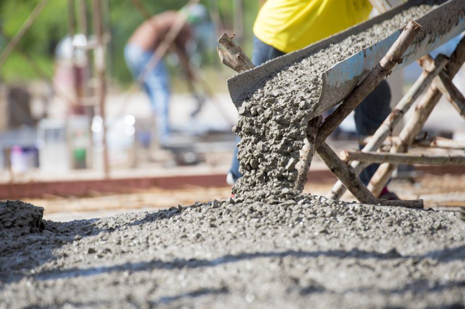 O concreto com esse material é mais forte e tem menos risco de sofrer rachaduras