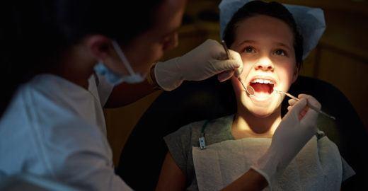 Dentistas fazem ações preventivas de graça em 7 capitais