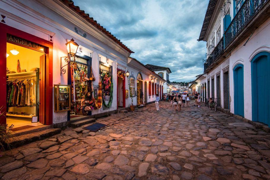 Rua turística de Paraty, no Rio de Janeiro