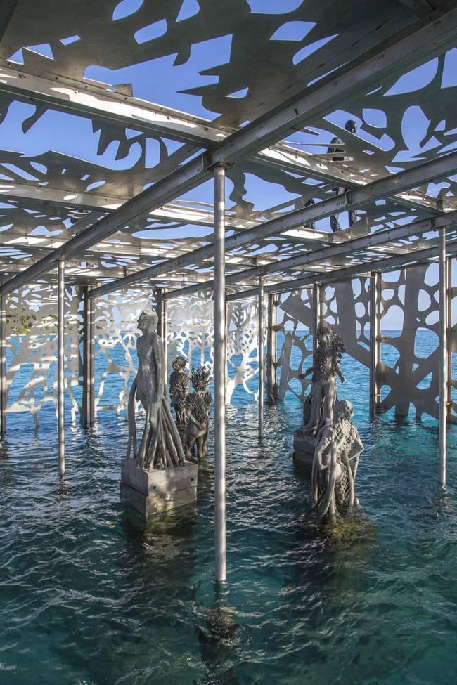 Algumas obras ficam em parte submersas
