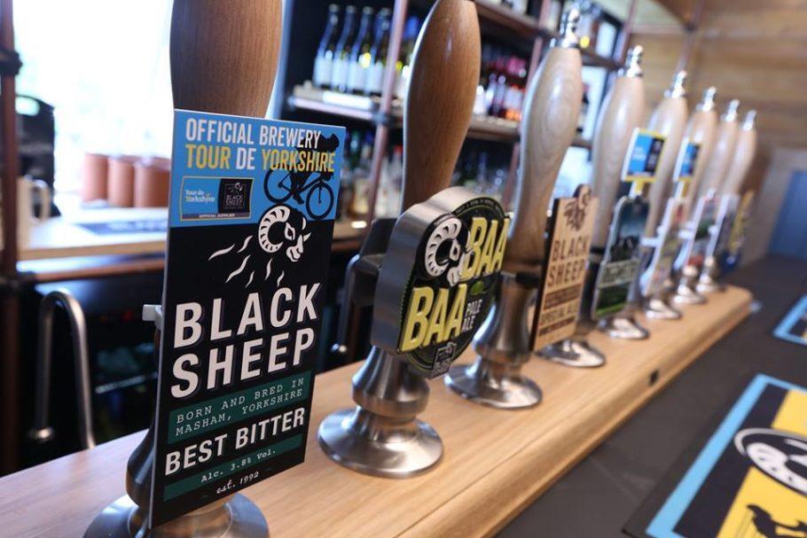 """NaBlack Sheep Brewery, o visitante não faz visitas guiadas, e sim visitas """"pastoreadas"""""""