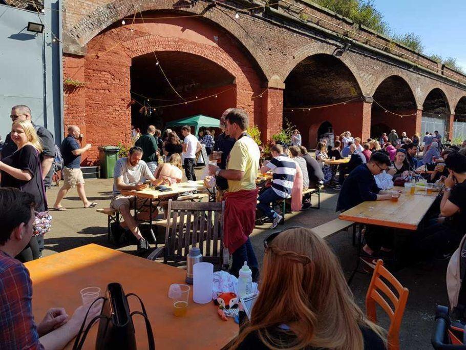 A cervejaria Mad Hatter não abre para visitações, mas organiza festivais de degustação