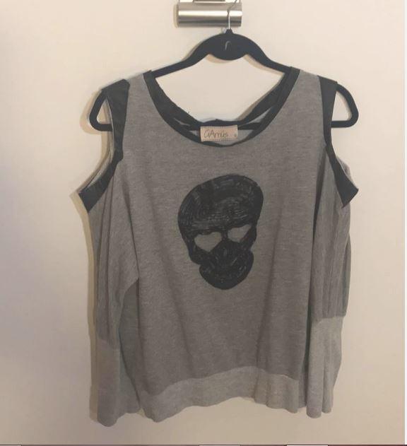 30078450f6e Crédito  Reprodução - Site - EnjoeiLegenda  NO Enjoei você pode comprar e  vender roupas usadas em bom estado