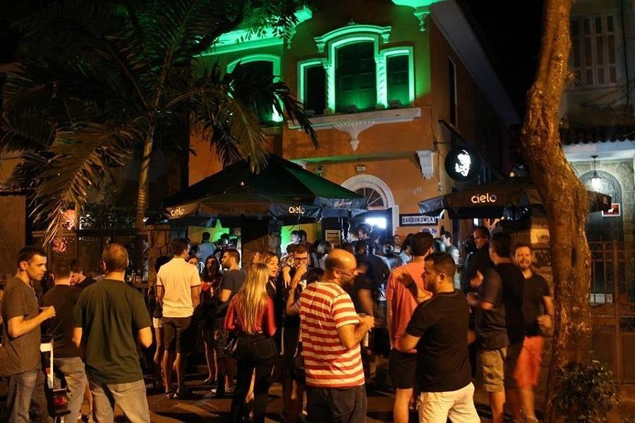 Breja Rio no Bar Bukowski