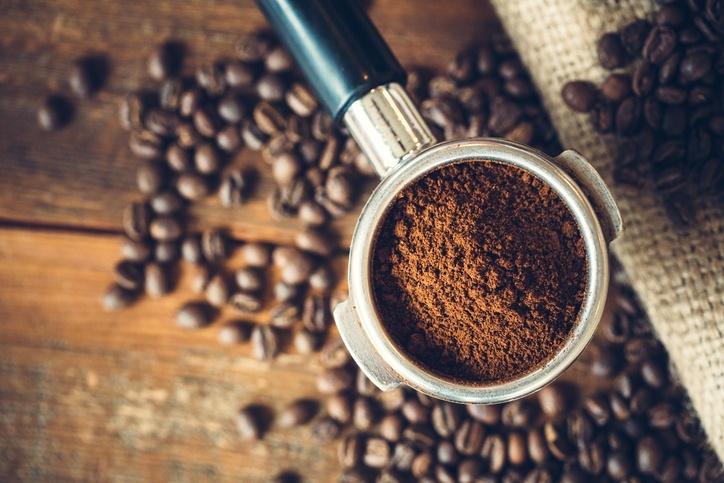 café na máquina de espresso