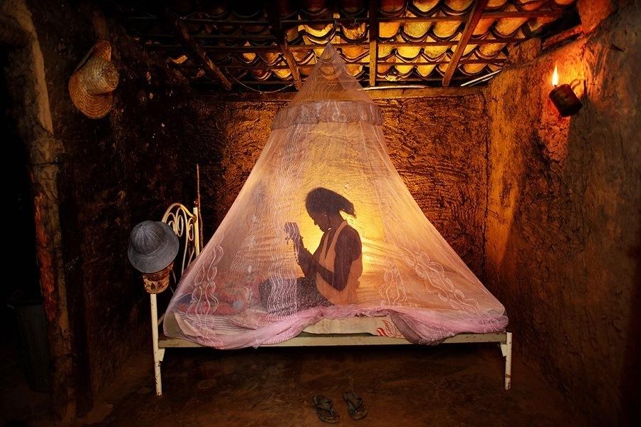 Fotografia 'Mulher em casa' [Xique-Xique, BA, 2013], da Mostra 'O Sertão de João Machado'