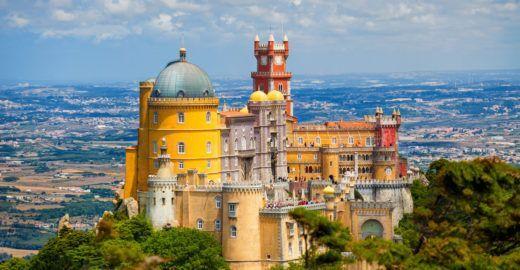 Saiba como visitar a cidade medieval de Sintra a partir de Lisboa