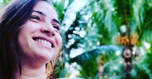 Laís Souza posta foto em pé e emociona internautas