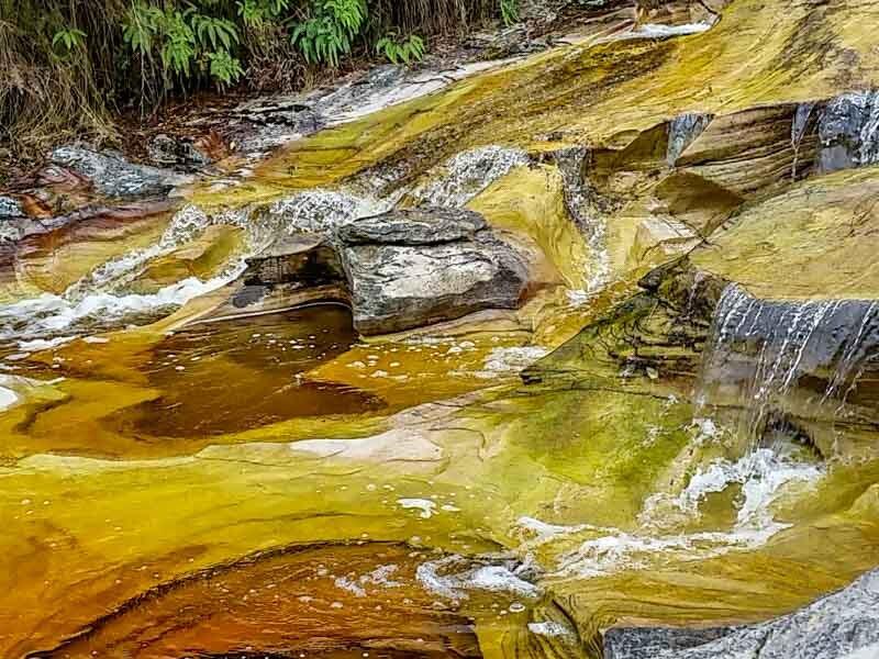 Águas cristalinas na Reserva do Ibitipoca, Minas Gerais. Foto: Angela Manta