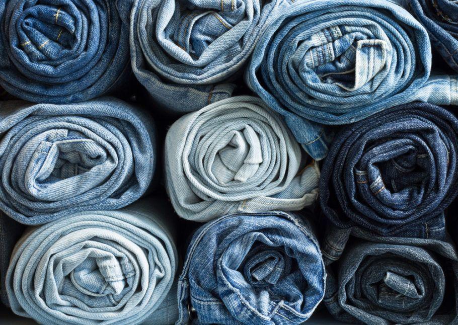 A produção do jeans consome milhares de litros de água