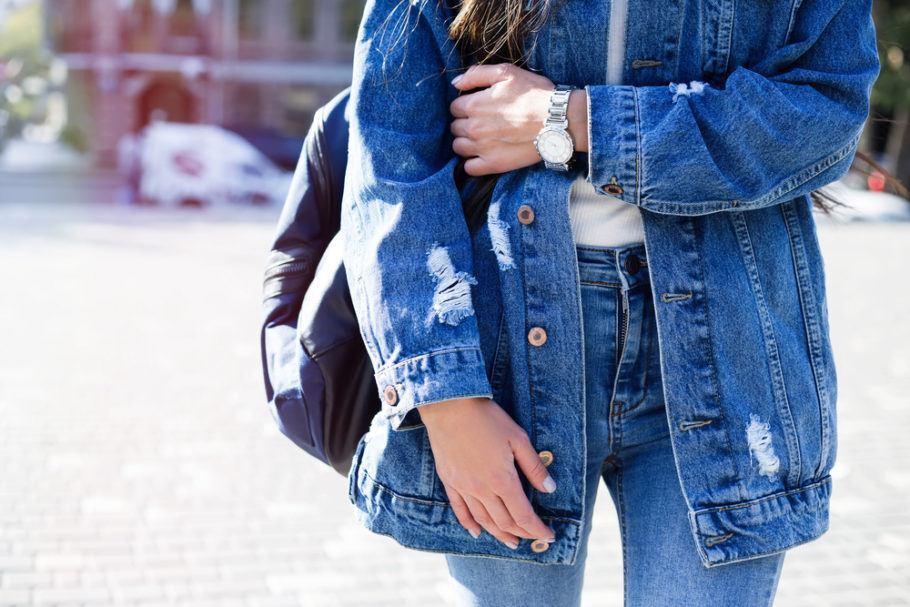 Nova tecnologia para tingir jeans, chamada de Dry Indigo, ajuda a reduzir pegada hídrica